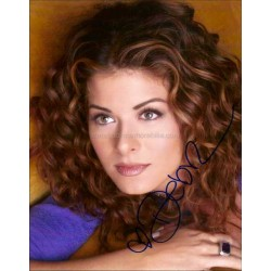 Debra Messing Autographed 10x8 Photo