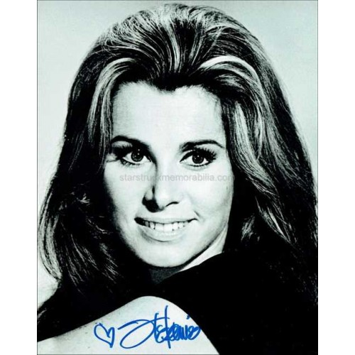 Stefanie Powers Autographed 10x8 Photo