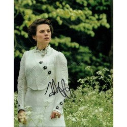 Hayley Atwell Autographed 10x8 Photo
