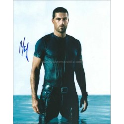 Matthew Fox Autographed 10x8 Photo