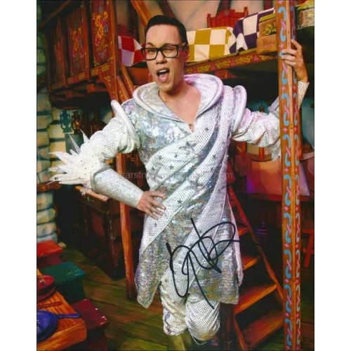 Gok Wan Autographed 10x8 Photo