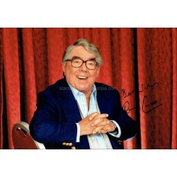 Ronnie Corbett Autographed 12x8 Photo