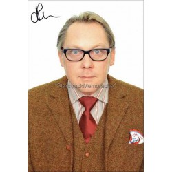 Vic Reeves Autographed 8x6 Photocard