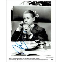 Macaulay Culkin Autographed 10x8 Photo
