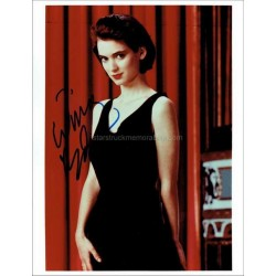 Winona Ryder Autographed 10x8 Photo