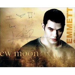 Kellan Lutz Autographed 10x8 Photo
