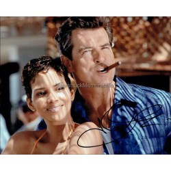 Halle Berry Autographed 10x8 Photo