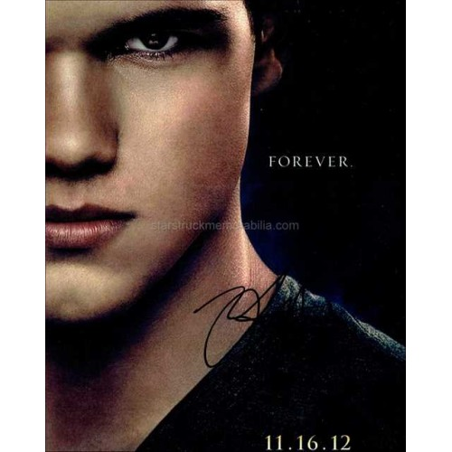 Taylor Lautner Autographed 10x8 Photo