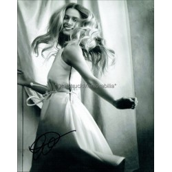 Lily Travers Autographed 10x8 Photo