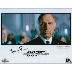 Geoffrey Palmer Autographed 10x8 Photo