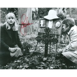 Goldie Hawn Autographed 10x8 Photo