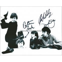 The Monkees Autographed 10x8 Photo
