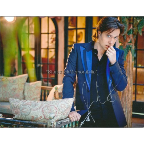 Rufus Wainwright Autographed 10x8 Photo