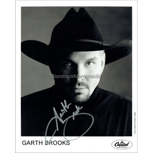 Garth Brooks Autographed 10x8 Photo