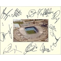 Manchester City Autographed 10x8 Photo Mount